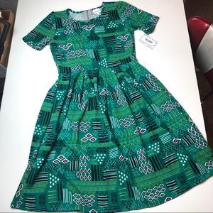 NWT LuLaRoe L Amelia Dress